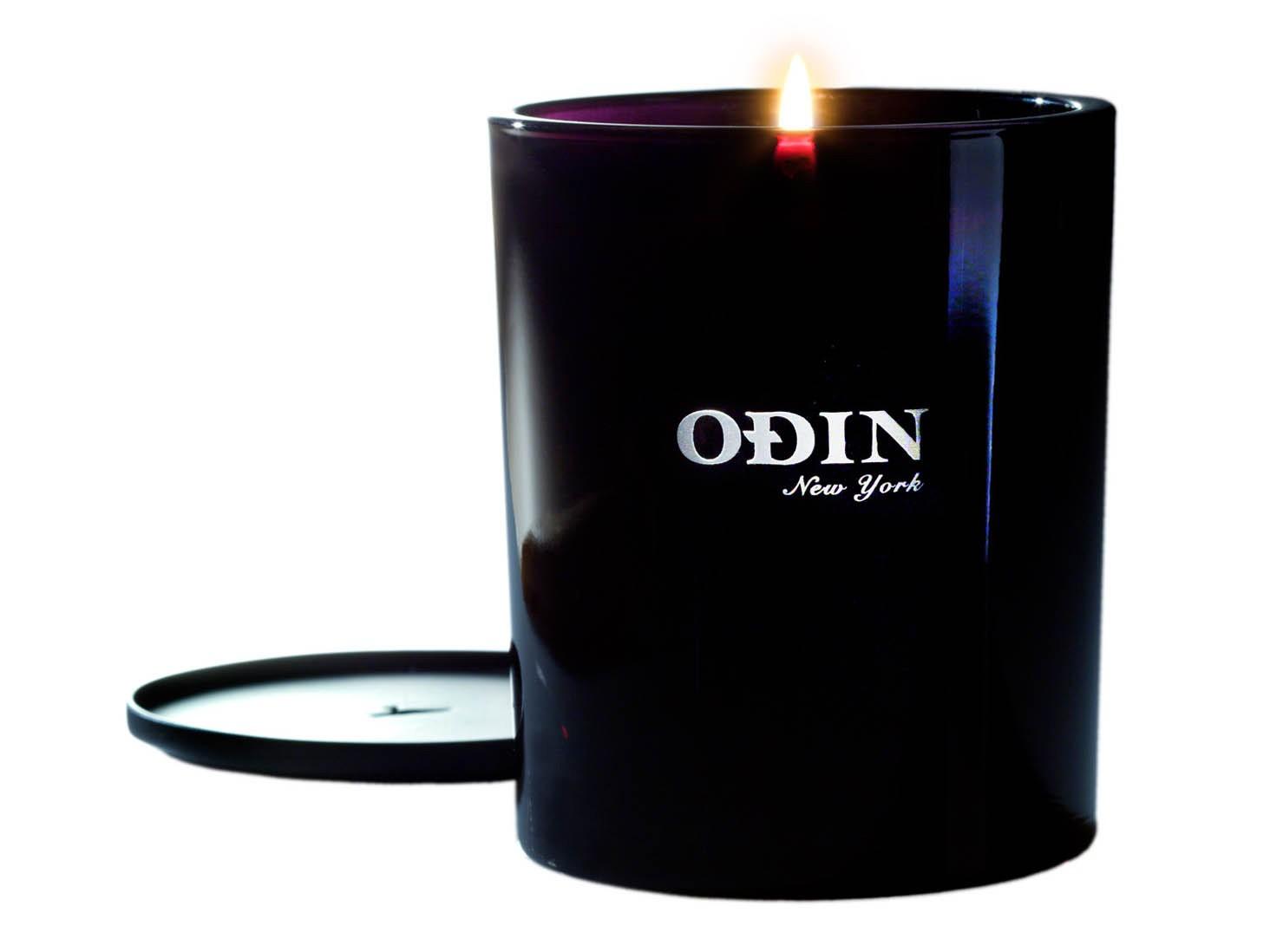 01 Sunda Candle
